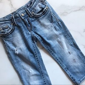 Miss Me Cropped Light Wash Distressed Jeans 25